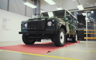 Fábrica da Jaguar Land Rover ganha Clínica de Restauração de veículos clássicos